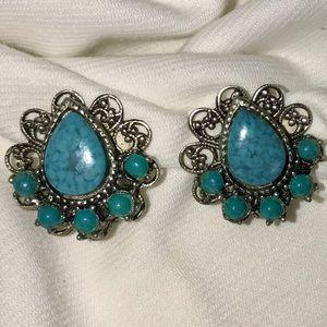 Vintage Turquoise filigree Beautiful Clip Earrings